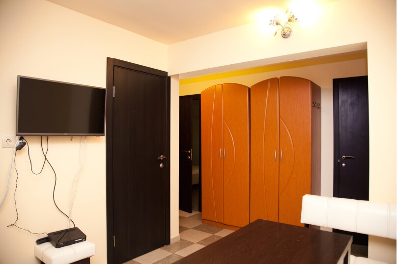 """Гостевой дом """"GREEN guest house"""", улица Тюльпанов, 4Г на 8 комнат - Фотография 48"""