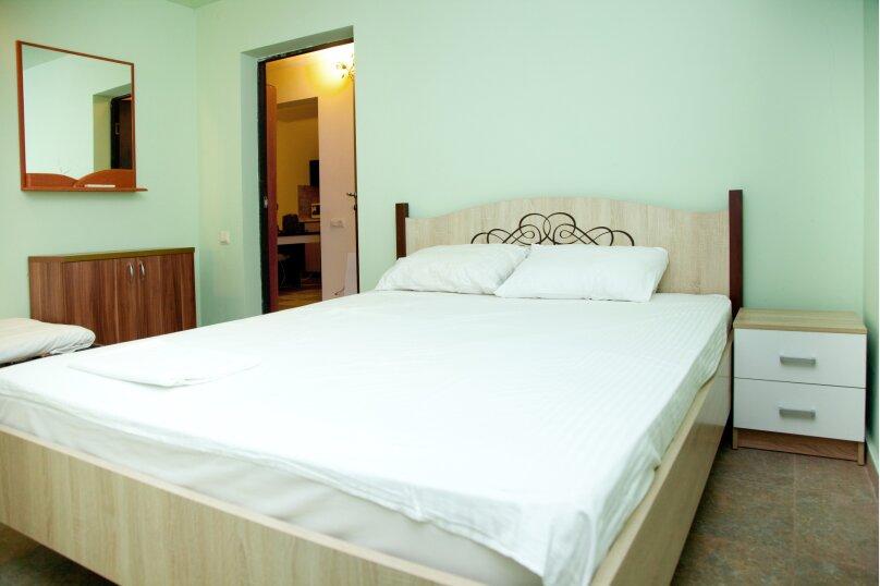 """Гостевой дом """"GREEN guest house"""", улица Тюльпанов, 4Г на 8 комнат - Фотография 51"""