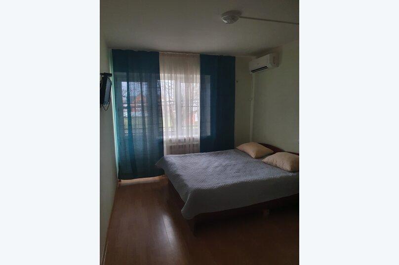 """Гостевой дом """"Лазурит"""", улица Свердлова, 35 на 22 комнаты - Фотография 2"""