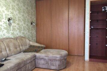 1-комн. квартира, 31 кв.м. на 2 человека, улица Багратиона, 94, Калининград - Фотография 1