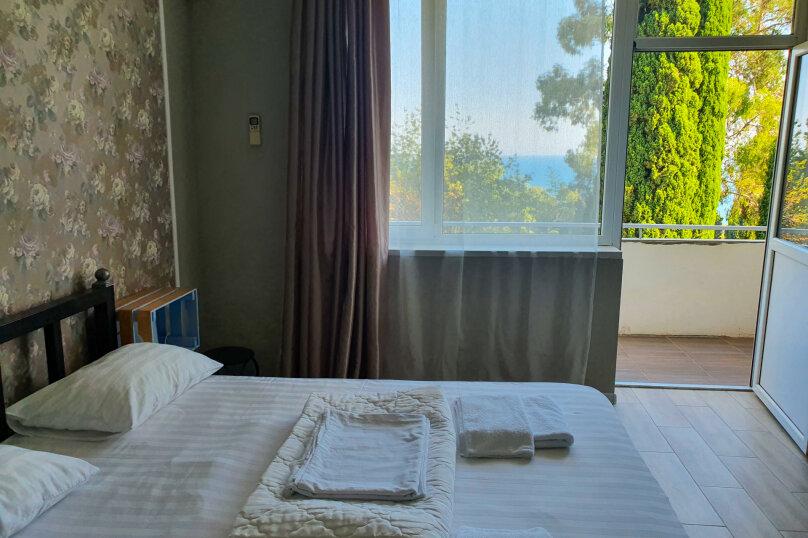 Двухместный номер с балконом и видом на море, Курортная улица, 22, Новый Афон - Фотография 6