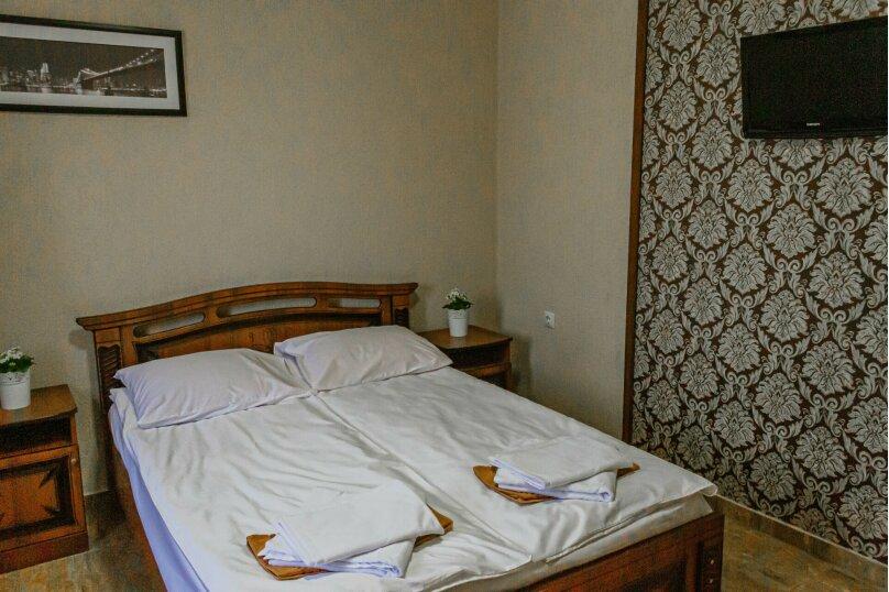 Двухместный с 1 двуспальной кроватью, улица Шмидта, 67/1, Геленджик - Фотография 1