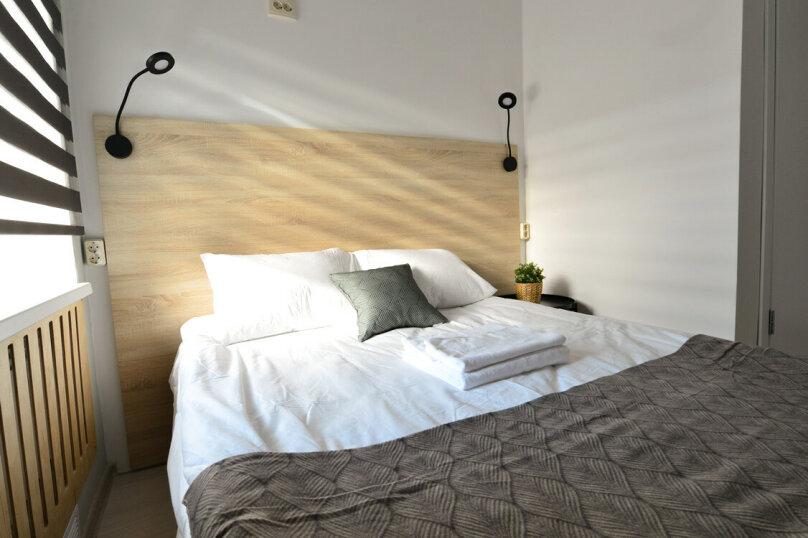 2-местный с 2-спальной кроватью, Республиканская улица, 47В, Ярославль - Фотография 1