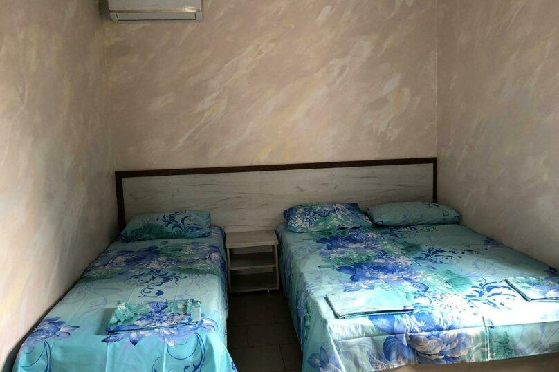 Гостиница 1153396, Тракторная улица, 31 на 15 комнат - Фотография 3