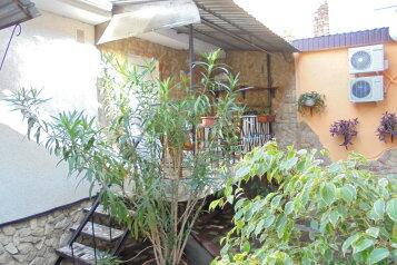 Однокомнатный домик с террасой на 2-4 человека., 29 кв.м. на 4 человека, 1 спальня, Военно-морской переулок, 7, Феодосия - Фотография 1