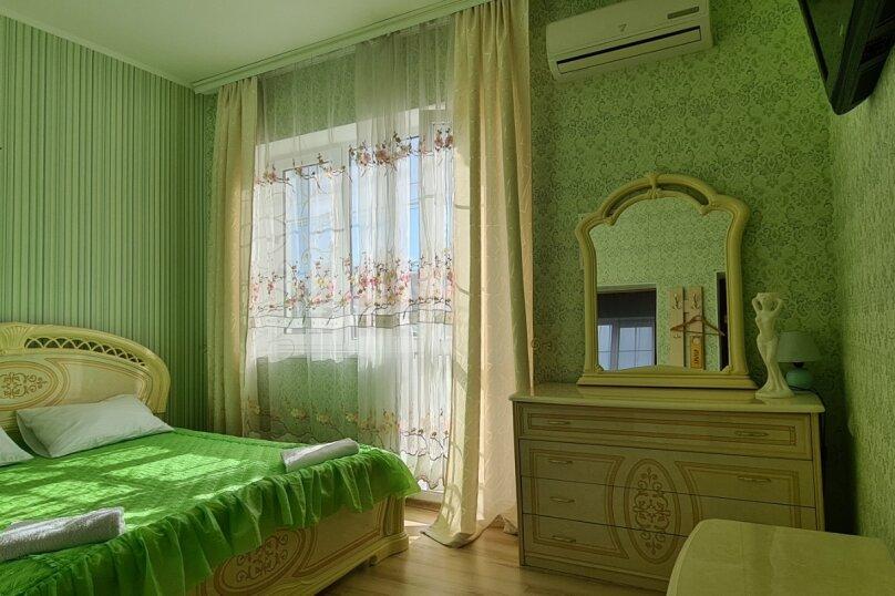 Номер 8, для 2-4 человека, 2 этаж, Гвардейская улица, 28, Алушта - Фотография 1