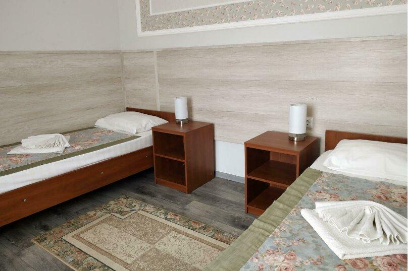 Гостевой дом «РИЧ», улица Самбурова, 211 на 25 комнат - Фотография 20