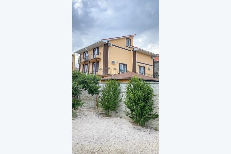"""Гостевой дом """"Ri Hotel-Крым"""", Приозёрная улица, 64 на 22 комнаты - Фотография 1"""