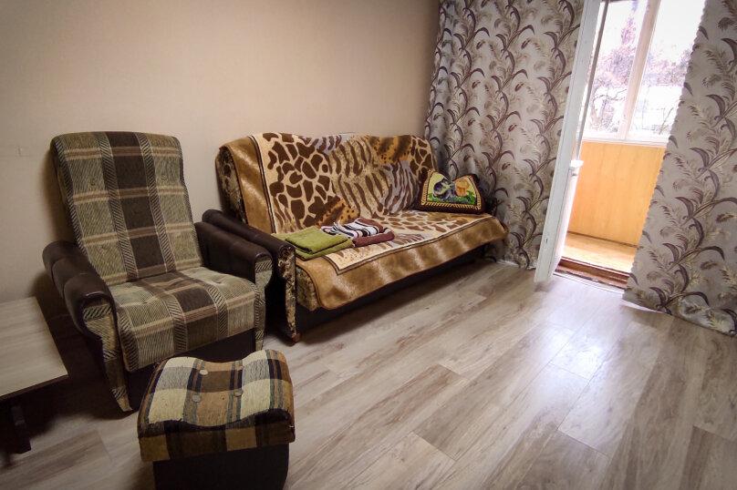 1-комн. квартира, 32 кв.м. на 4 человека, улица Сурикова, 4, Алупка - Фотография 6