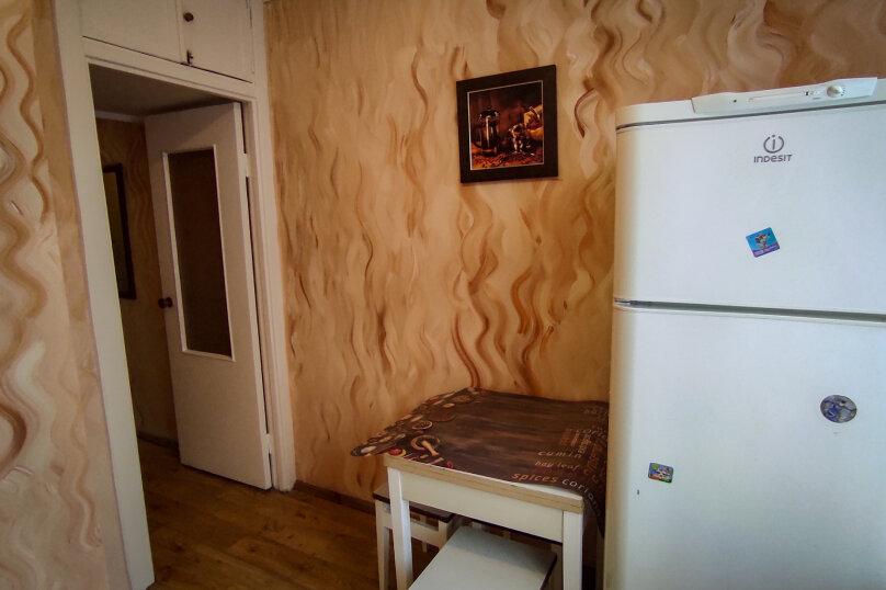 1-комн. квартира, 32 кв.м. на 4 человека, улица Сурикова, 4, Алупка - Фотография 10