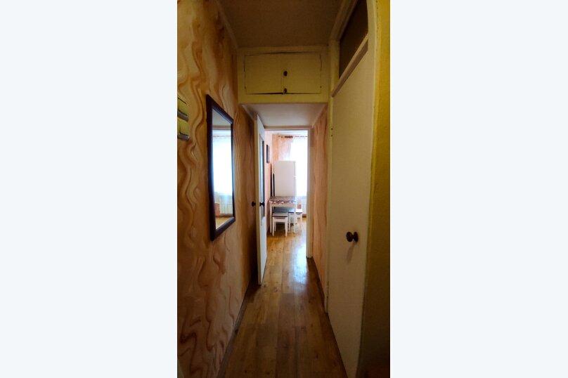 1-комн. квартира, 32 кв.м. на 4 человека, улица Сурикова, 4, Алупка - Фотография 13