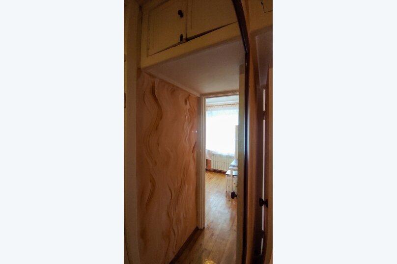 1-комн. квартира, 32 кв.м. на 4 человека, улица Сурикова, 4, Алупка - Фотография 14