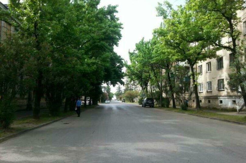1-комн. квартира, 35 кв.м. на 4 человека, улица Генерала Дбар, 17, Сухум - Фотография 11