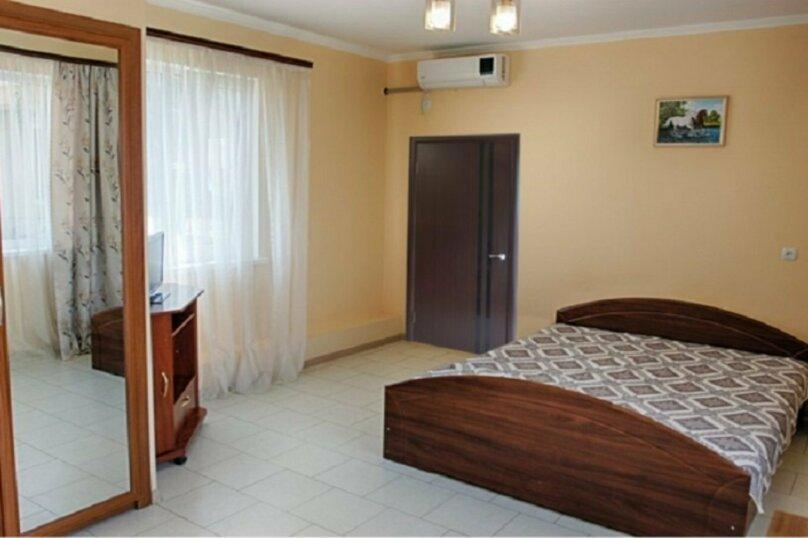 Гостиница 1155158, улица Коммуны, 25 на 15 комнат - Фотография 3