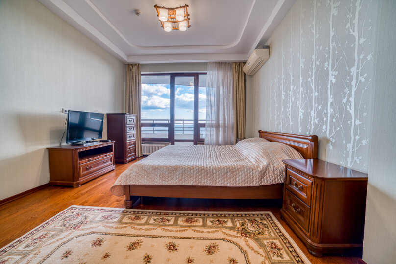 2-комн. квартира, 80 кв.м. на 6 человек, Приморский парк им. Гагарина, 11, Ялта - Фотография 3