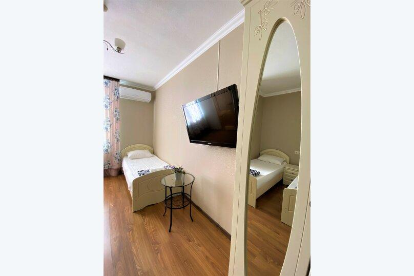 """Гостевой дом """"Белый виноград"""", улица Демерджипа, 12 на 4 комнаты - Фотография 2"""