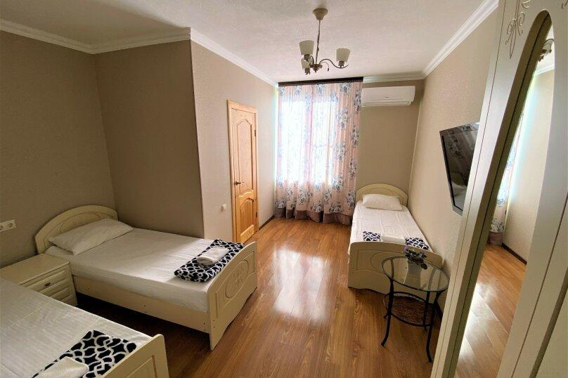 """Гостевой дом """"Белый виноград"""", улица Демерджипа, 12 на 4 комнаты - Фотография 3"""