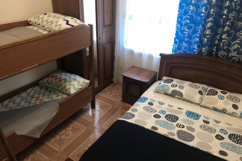 """Гостевой дом """"Подсолнух"""", Весенняя улица, 18А на 17 комнат - Фотография 2"""