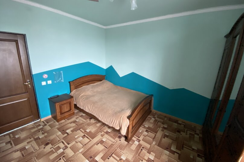 """Гостевой дом """"Подсолнух"""", Весенняя улица, 18А на 17 комнат - Фотография 15"""
