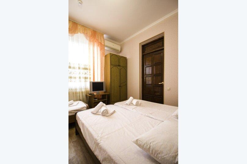 """Гостевой дом """"На Мира"""", улица Мира, 36А/1 на 13 комнат - Фотография 41"""