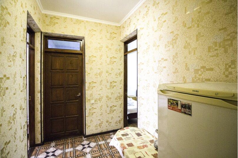 """Гостевой дом """"На Мира"""", улица Мира, 36А/1 на 13 комнат - Фотография 51"""