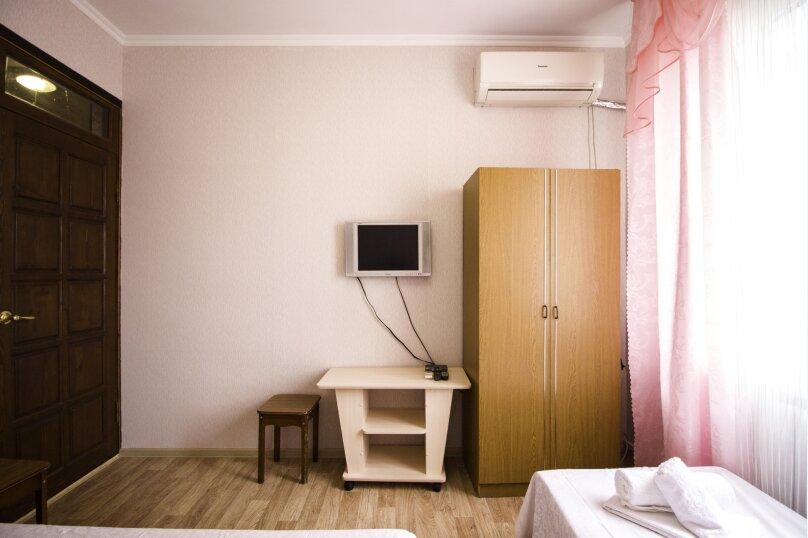 """Гостевой дом """"На Мира"""", улица Мира, 36А/1 на 13 комнат - Фотография 63"""