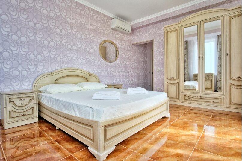 Улучшенный Семейный номер, улица Багратиона, 4Б, Лазаревское - Фотография 1