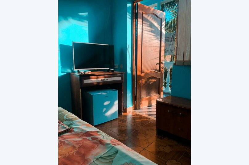 "Гостевой дом ""МиЛар"", улица Туренко, 6 на 18 комнат - Фотография 9"