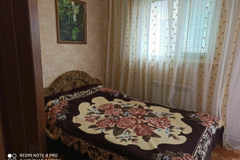 Двухкомнатный оливковый, 6-я Равелинная улица, 6, Севастополь - Фотография 1