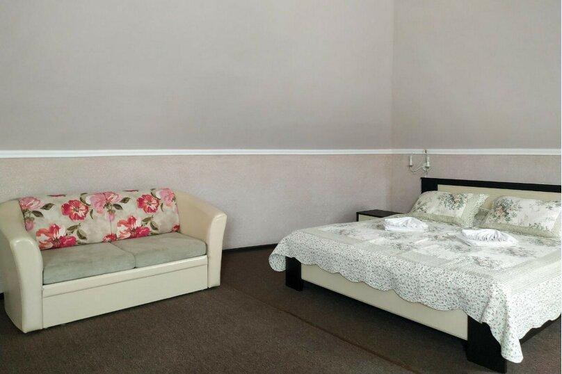 Гостевой дом «РИЧ», улица Самбурова, 211 на 25 комнат - Фотография 35