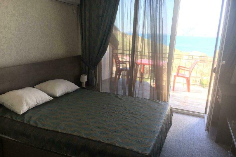 Двухместный люкс с видом на море и балконом, СНТ Ветка, Тупиковая, 1, поселок Орджоникидзе, Феодосия - Фотография 4