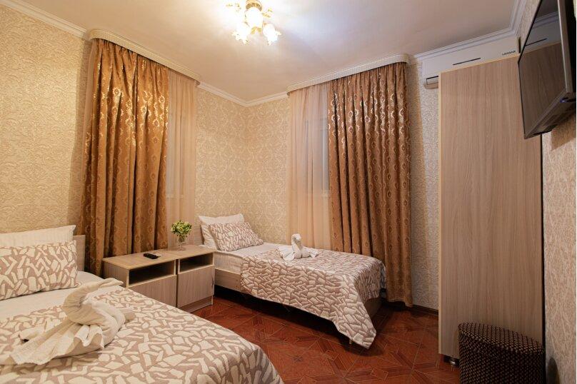 """Гостевой дом """"Бриз 53"""", улица Куйбышева, 53 на 32 комнаты - Фотография 34"""