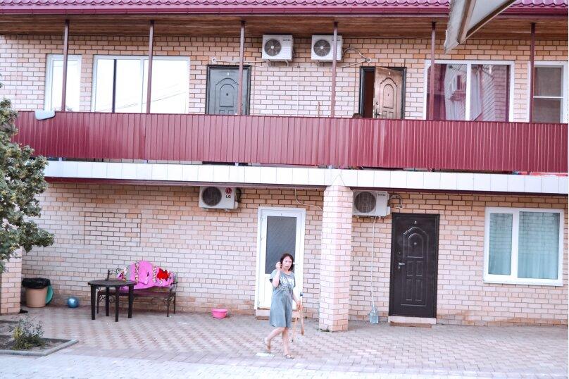 """Гостевой дом """"На Колхозной 20Б"""", Колхозная улица, 20Б на 11 комнат - Фотография 31"""