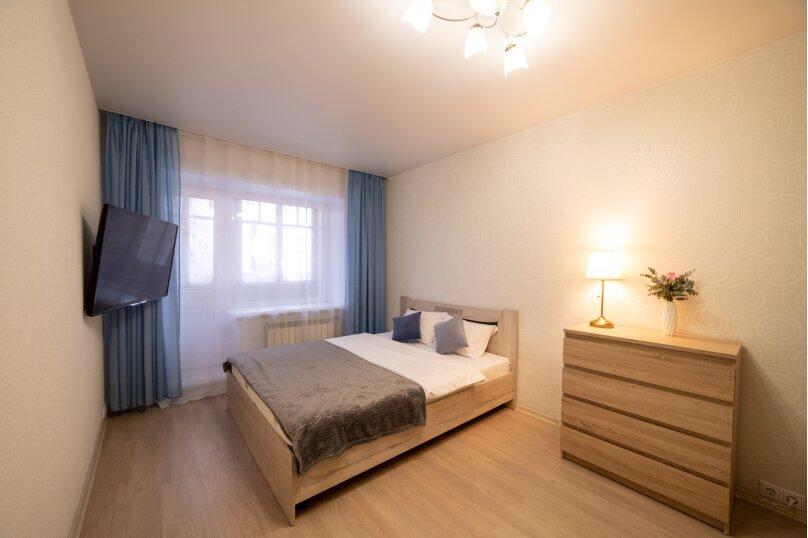 1-комн. квартира, 35 кв.м. на 4 человека, улица Карла Маркса, 127, Красноярск - Фотография 1