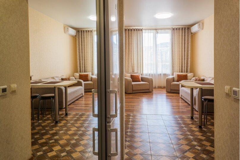 Апартаменты-студио в «ЖК Алмаз», улица Блюхера, 19 на 10 номеров - Фотография 67