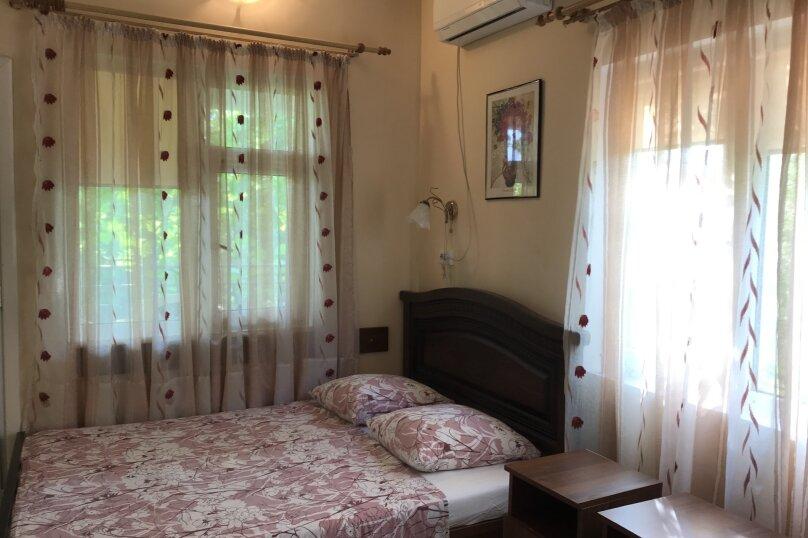 3-х местный   Стандарт 2-ой этаж (5), улица Шевченко, 130, Анапа - Фотография 1