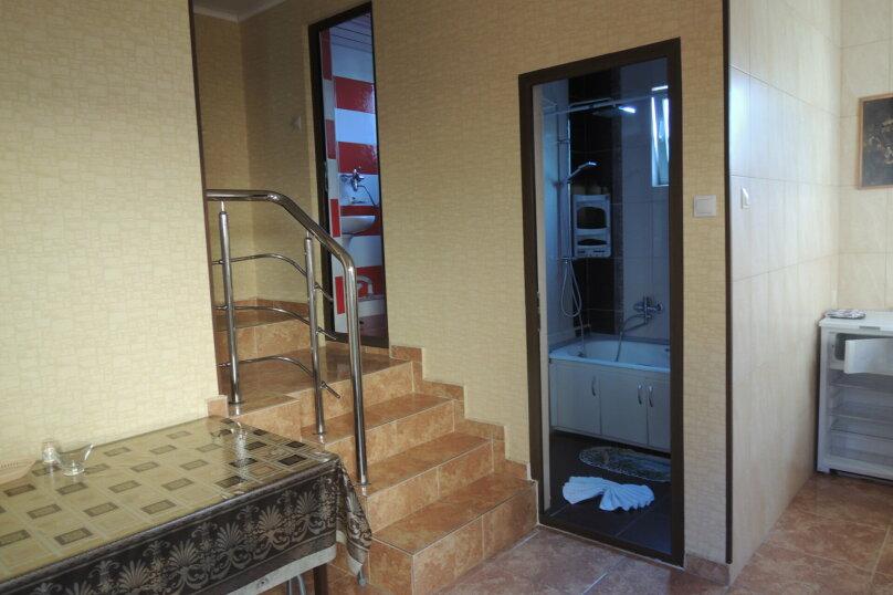 Отдельная комната, улица Просвещения, 105А, Адлер - Фотография 1