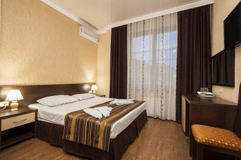 Стандарт  2-х местный  с 1 кроватью, улица Шевченко, 96, Геленджик - Фотография 1