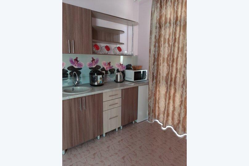 """Гостевой дом """"Svetlana"""", Морская улица, 32 на 14 комнат - Фотография 21"""