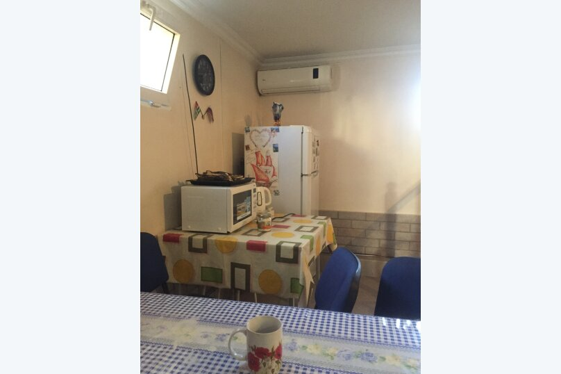 Гостевой дом «У Мизана», улица Чочуа, 38-А на 2 комнаты - Фотография 10