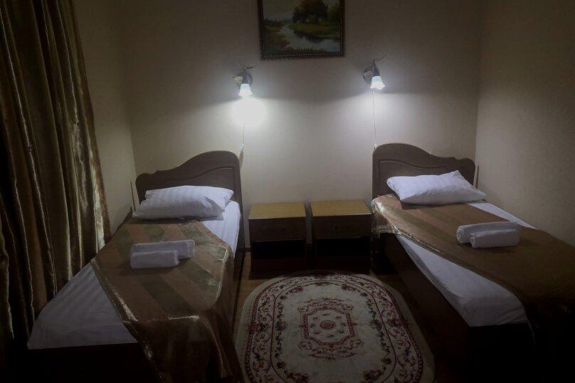 """Отель """"Кипарис"""", Советская улица, 52 на 22 комнаты - Фотография 32"""