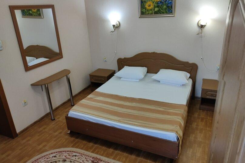 """Отель """"Кипарис"""", Советская улица, 52 на 22 комнаты - Фотография 66"""