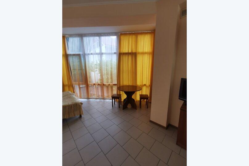 Гостиница 1161575, улица Циолковского, 28 на 4 комнаты - Фотография 12