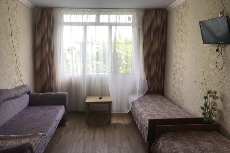 Большая комната, Изумрудная улица, 13, Лазаревское - Фотография 3