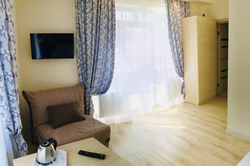 Гостевой дом , квартал Рассвет, 47 на 10 комнат - Фотография 13
