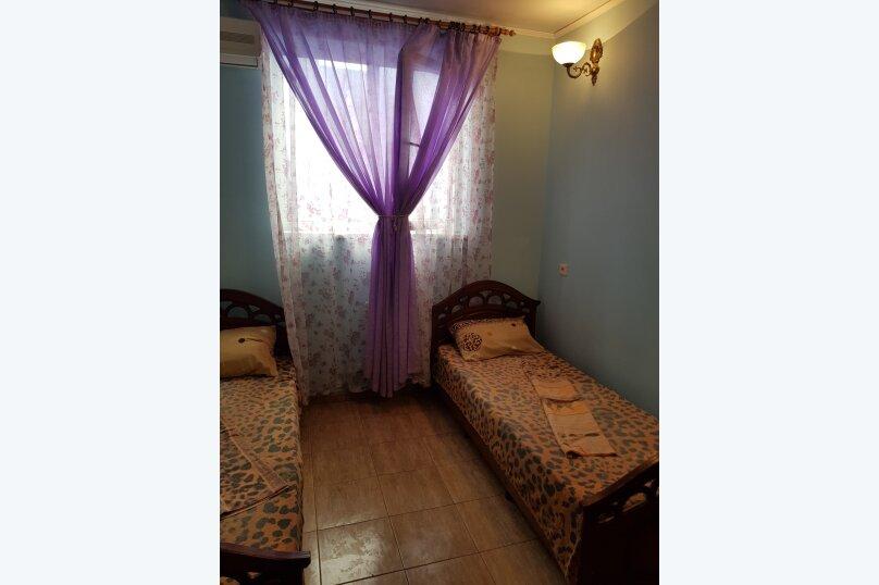 2-х местный ,№4 ,с раздельными кроватями (с доп. местом креслом-кроватью), Морская, 29, Геленджик - Фотография 5