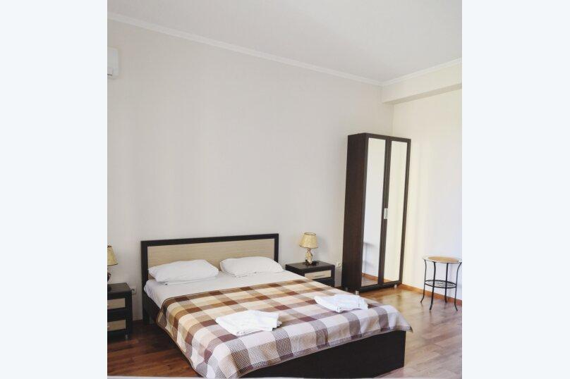 Отдельная комната, улица Багликова, 21, Алушта - Фотография 2