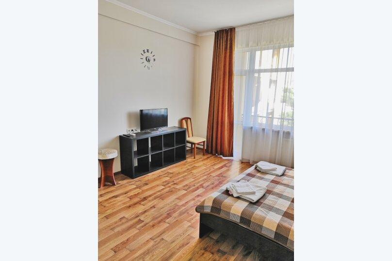 Отдельная комната, улица Багликова, 21, Алушта - Фотография 3