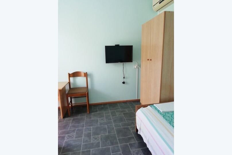 Гостевой домик во дворе, 65 кв.м. на 6 человек, 3 спальни, улица Горького, 62, Геленджик - Фотография 13