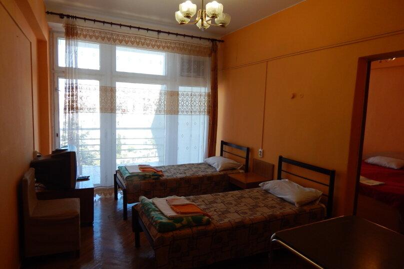 Эконом 2-х комнатный, проспект Героев Сталинграда, 43, Севастополь - Фотография 1